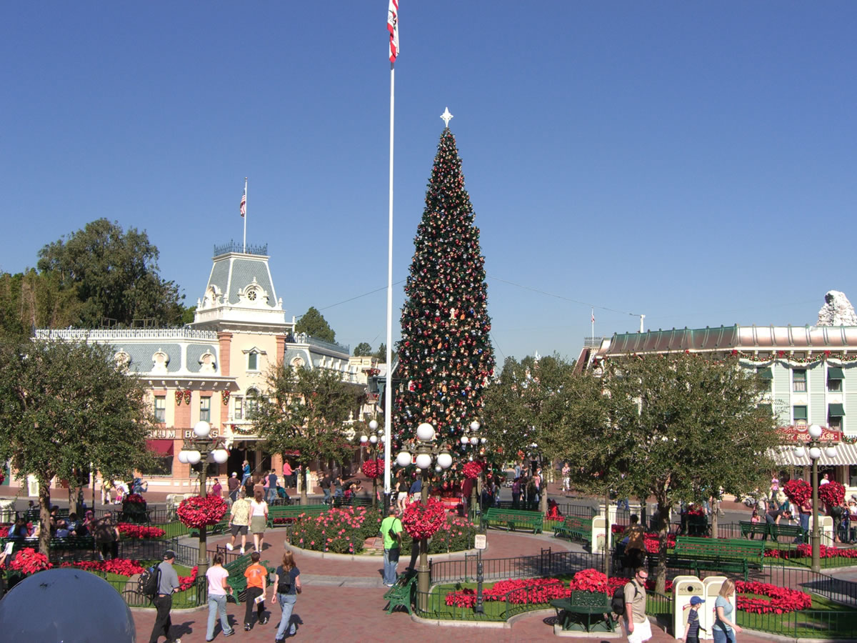 mouseplanet disneyland holiday update by adrienne vincent phoenix