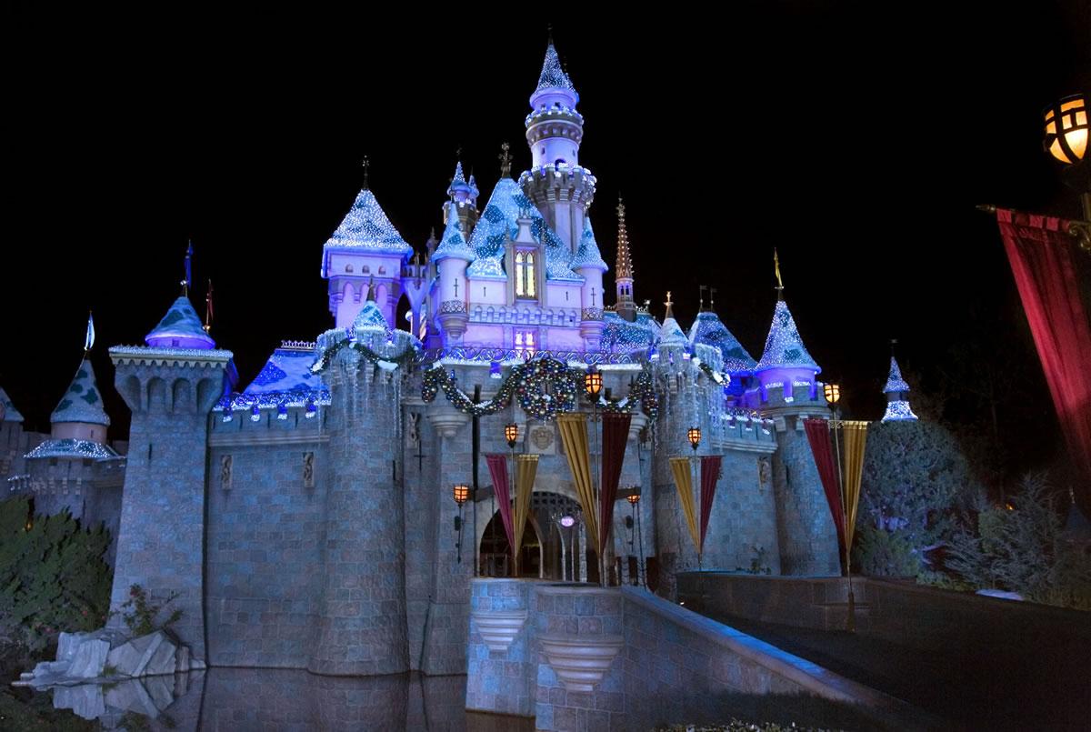 Disneyland Castle At Night Sleeping Beauty s Winter