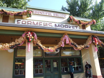 (Mini guide) Les restaurants de Disneyland Resort en Californie Farmers_market_open_michael