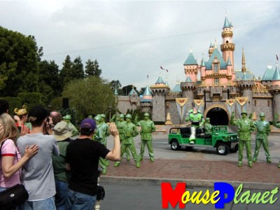 Buzz Lightyear and Green Army Men induct park visitors as Astro Command