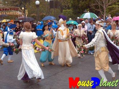 princess jasmine disneyland. Jasmine and Aladdin dancing in