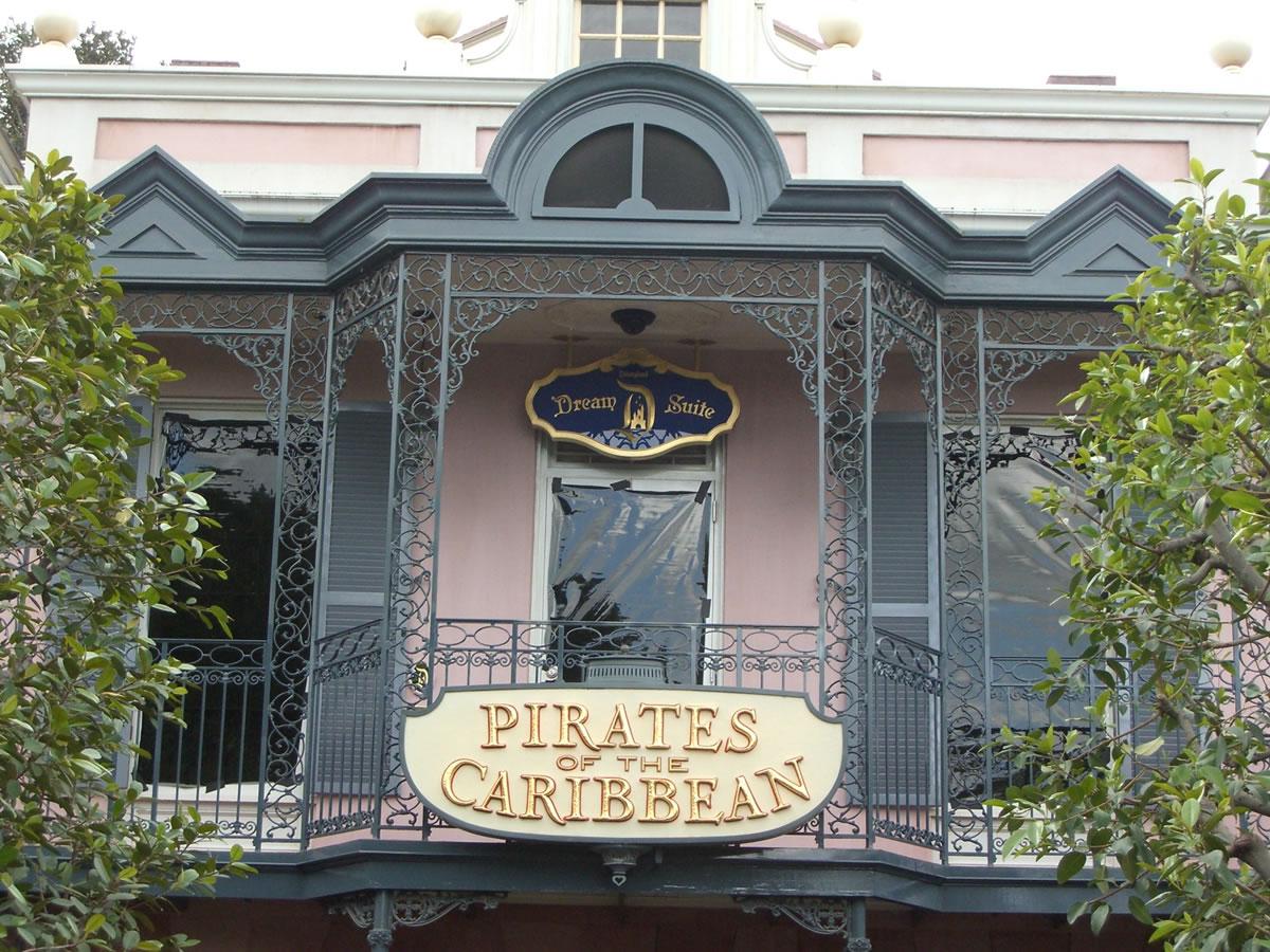 Photo Tour Disneyland S New Dream Suite