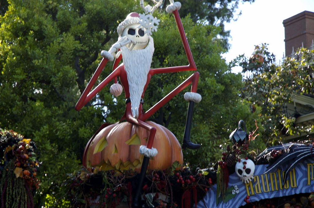 Disneyland Christmas Decorations
